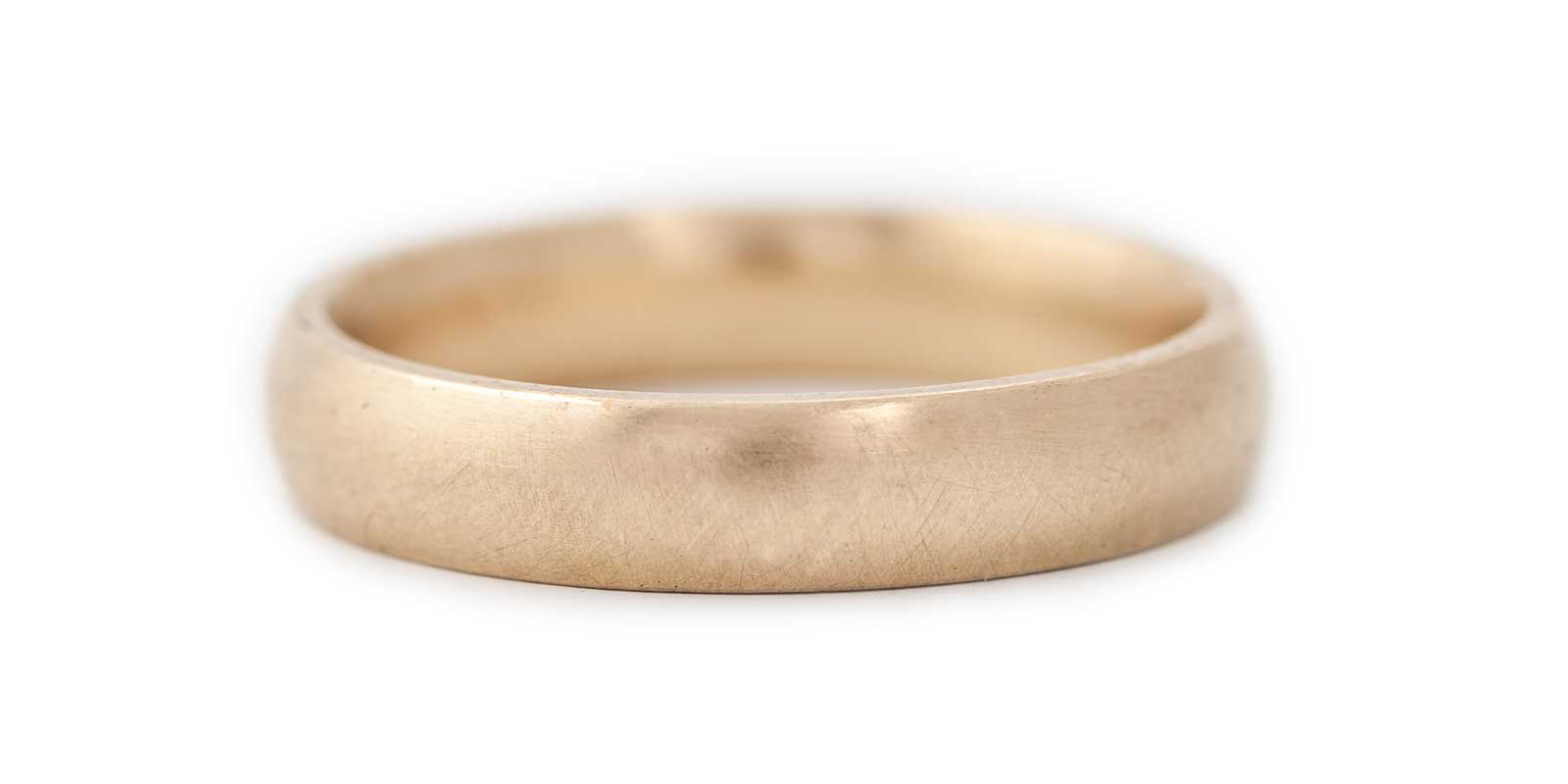 Wide Court Band – 9ct Yellow Gold
