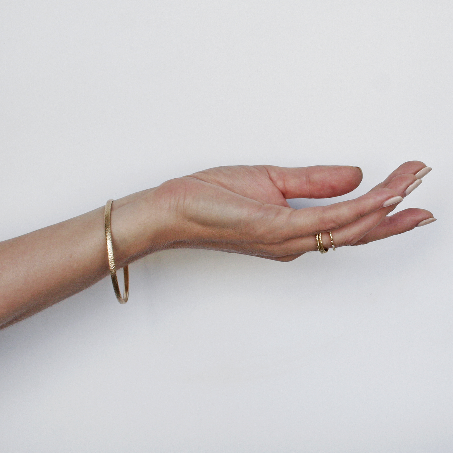 Scattered 9ct Gold Bangle