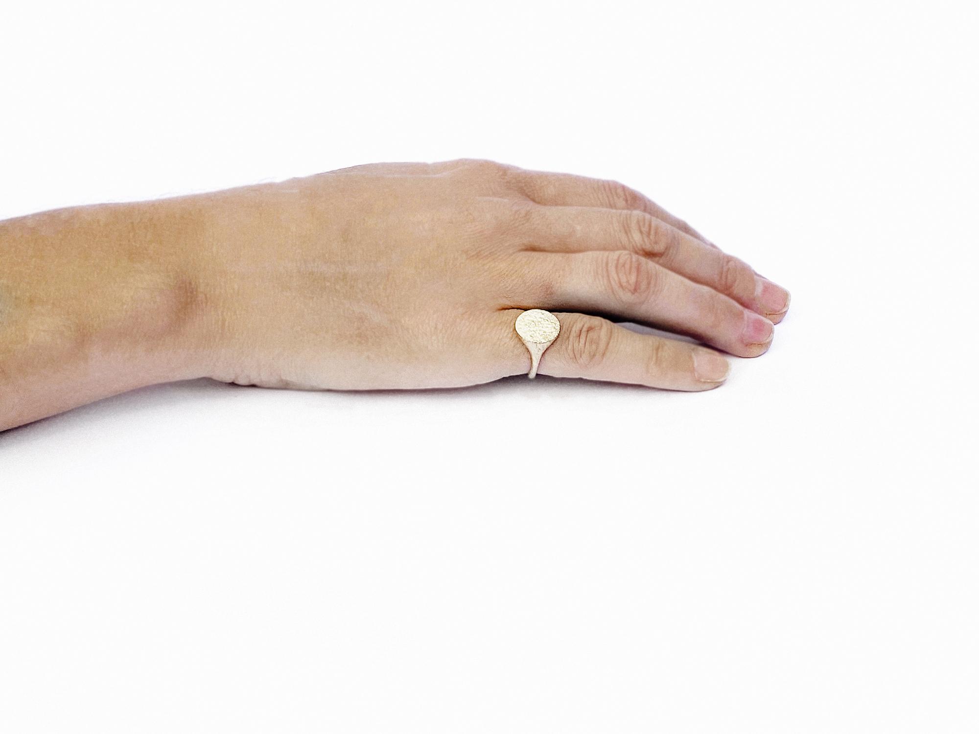Sylvia 18ct Yellow Gold Signet Ring